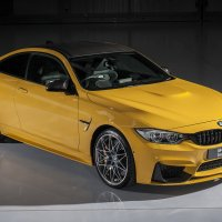 BMW M4 Coupé Individual in Speed Yellow